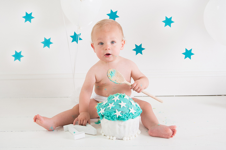 1st birthday cake smash oswestry photographer janine speake